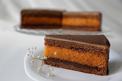 Orangen Torte <span>mit Marzipan</span>