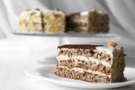 Almond <span>Cake</span>