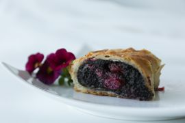 Poppy seeds – sour cherry<span> strudel</span>